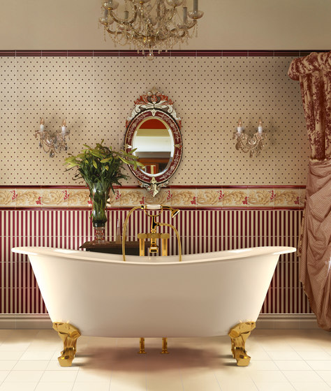 Grand Elegance soft bordeaux su crema by Petracer's Ceramics