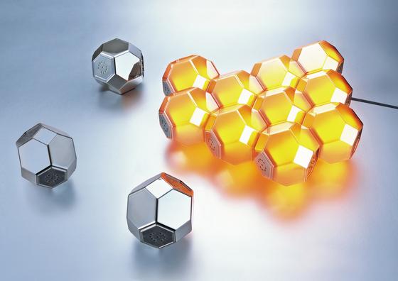 Crystal Table di QisDesign