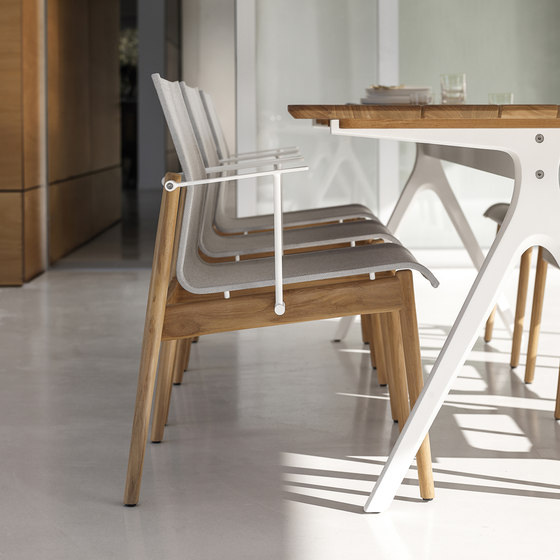 Split Small Table by Gloster Furniture GmbH