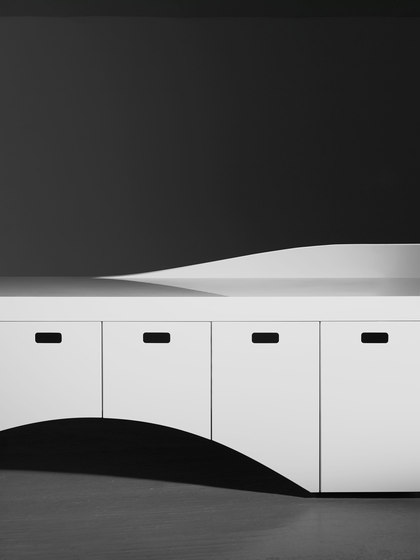 Kin II Reception Desk de Isomi