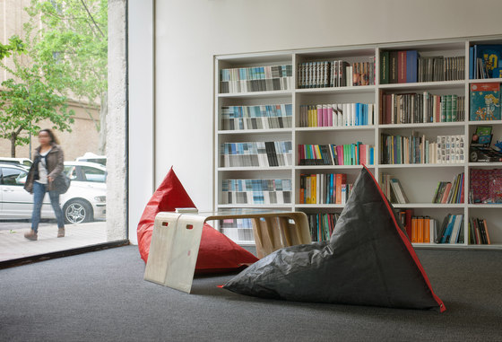 Genois armchair unique edition di DVELAS