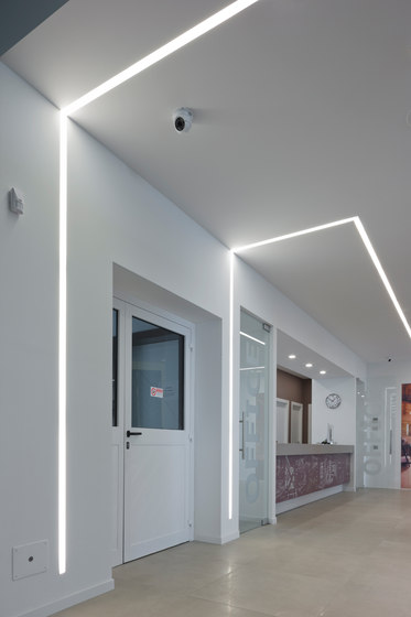 Line Soft recessed system with trim by Aqlus