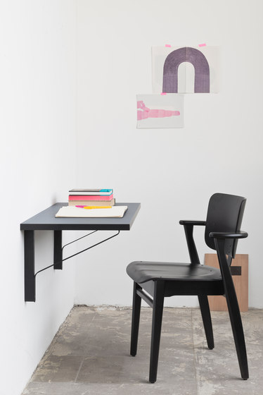 Kaari Table Round REB003 di Artek