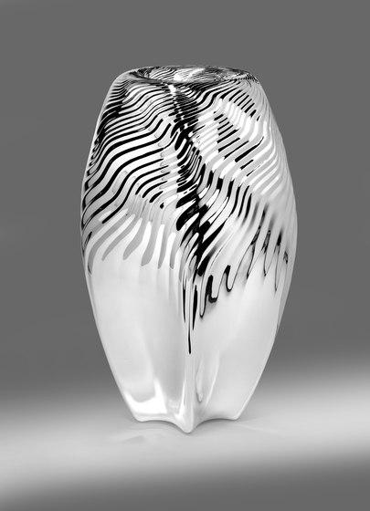 Zaha Hadid – Vase Loa by Wiener Silber Manufactur