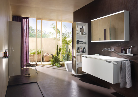 Yso | Mirror cabinet with horizontal LED-lighting di burgbad