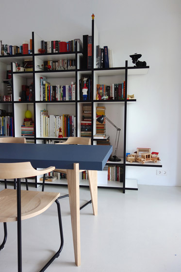Wabi Bookcase de Neil David