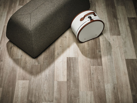 Allura Click cherry by Forbo Flooring