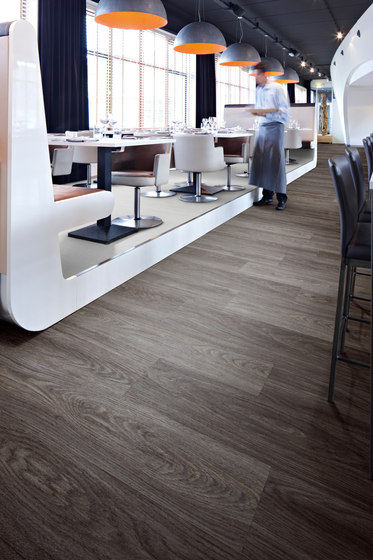 Allura Core blue reclaimed wood di Forbo Flooring