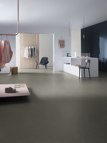 Nordstar Evolve Lumina charcoal by Forbo Flooring