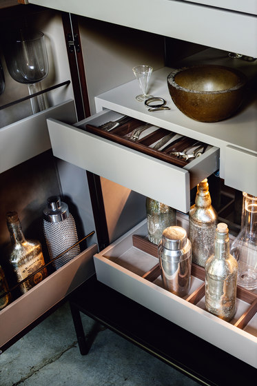 Winston Cabinet bar by LEMA