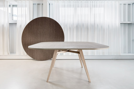 Tavolarte | table round by strasserthun.