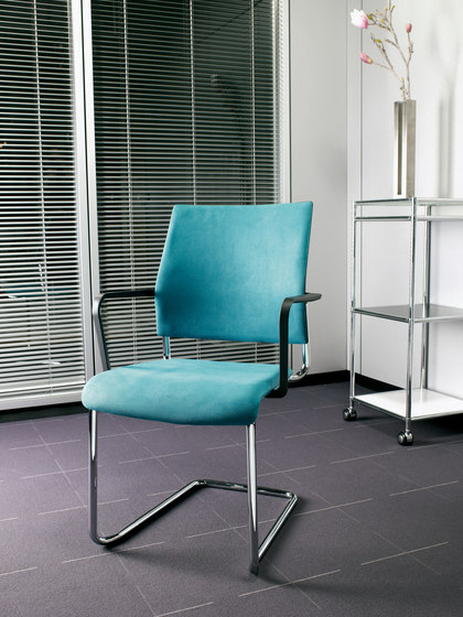 Qubo Four legged chair by viasit