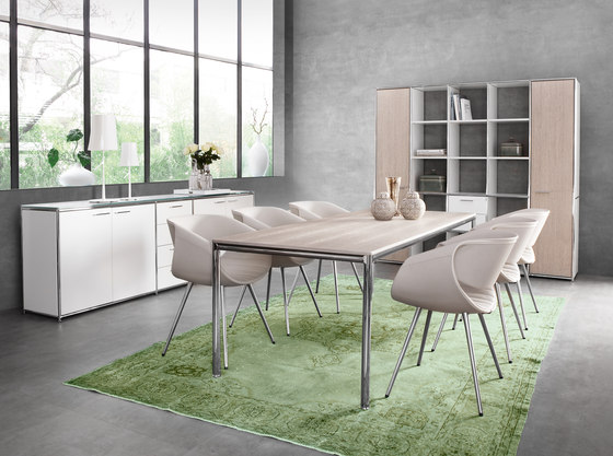 Dining table de Dauphin Home