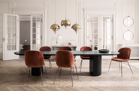 Moon Lounge Table - Round de GUBI