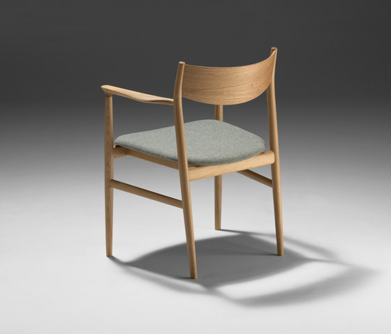Kamuy Side Table by Conde House