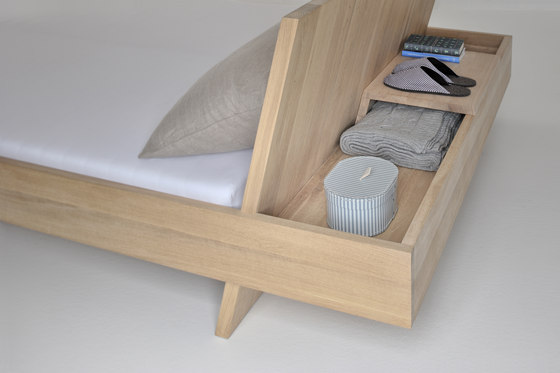 SOMNIA Bed di Vitamin Design