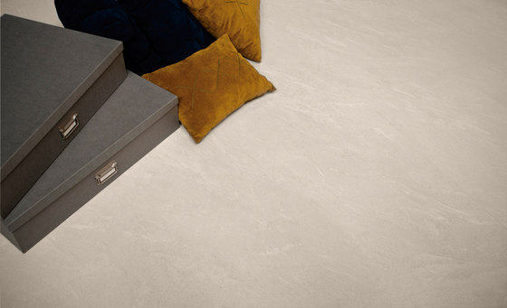 Pacific Blanco Plus Bush-hammered SK by INALCO