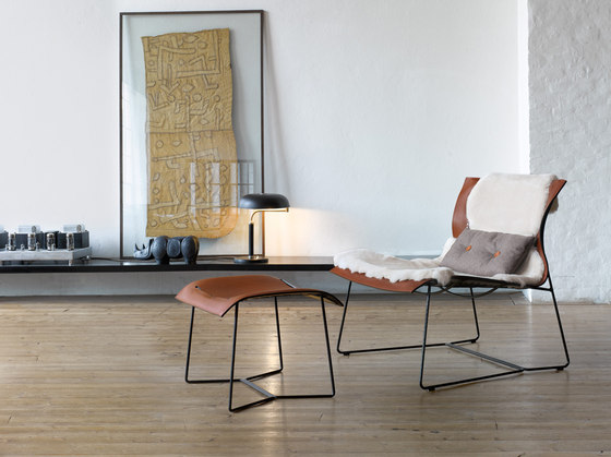 Cuoio Lounge armchair | stool by Walter K.