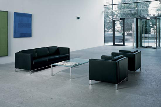 Foster 500 occasional table di Walter K.