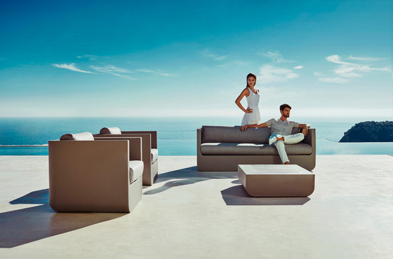 Ulm sectional sofa armless di Vondom