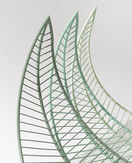 Leaf Chair on base stand de Studio Stirling