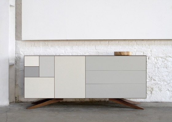 Incunabular Sideboard de Invisible City
