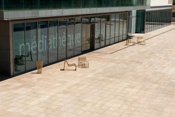 Elinium fauteuil von CYRIA