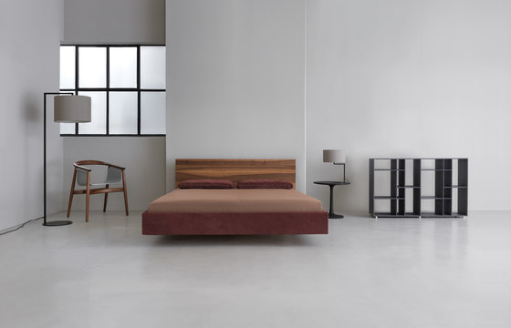 Simple Soft with upholstered headboard by Zeitraum