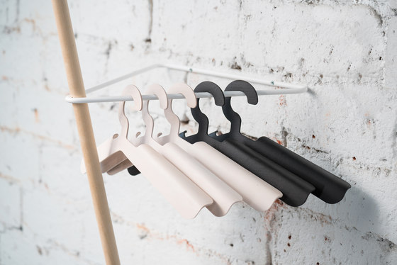 SIIPI Hanger black, set of 5 by Nordic Hysteria