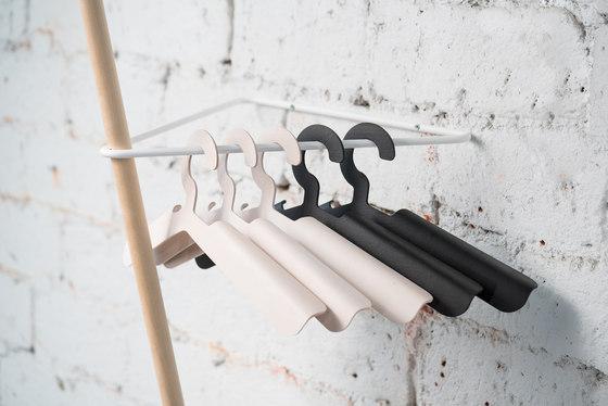 SIIPI Hanger black, set of 5 de Nordic Hysteria