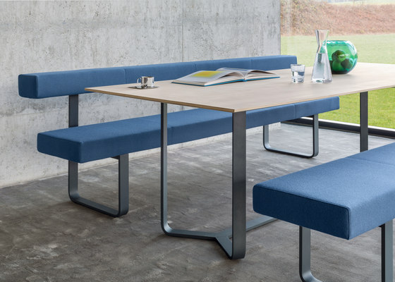 YOHO Table di Girsberger