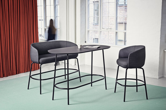 Low Nest Chair Wood de +Halle