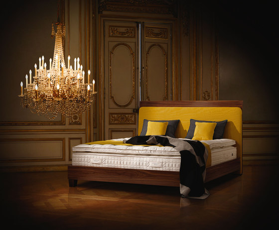 Sleeping Systems Collection Platinum | Headboard Saint Germain violet by Treca Interiors Paris