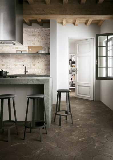 Roma Round Travertino Mosaico by Fap Ceramiche