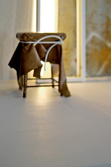 Déchirer glass white by Ceramiche Mutina