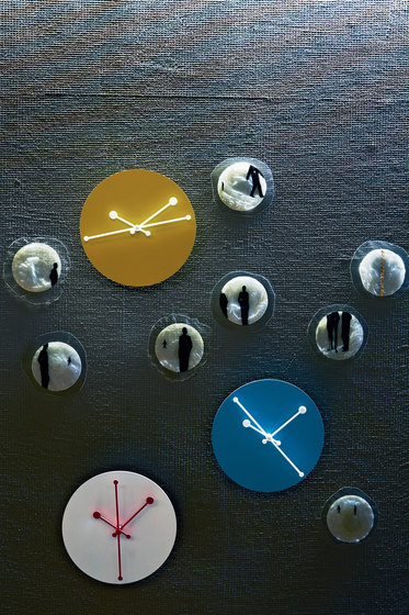 Dotty Clock ABI11 W de Alessi