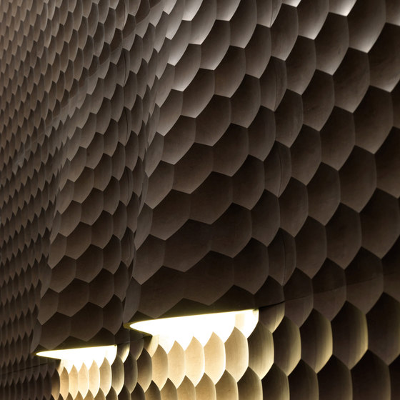Le Pietre Incise | Favo curve luce di Lithos Design