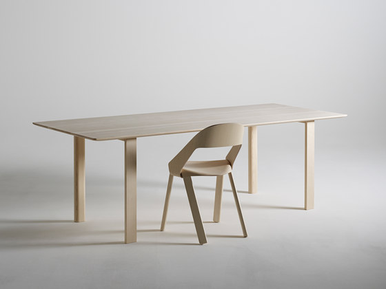 WOGG TIRA Folding Table Oï by WOGG