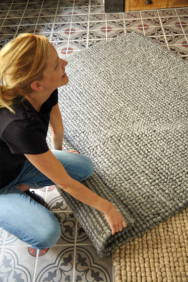 Hoot Rug Taupe 2 by GAN