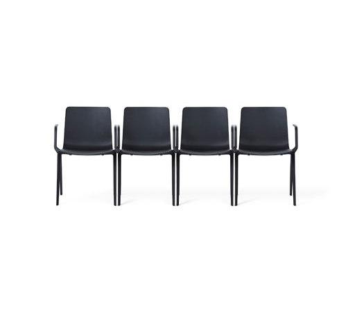 A-Chair de Davis Furniture