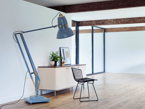 Original 1227™ Giant Brass Floor Lamp von Anglepoise