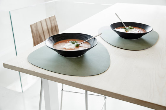Table Mat | curve double by LINDDNA