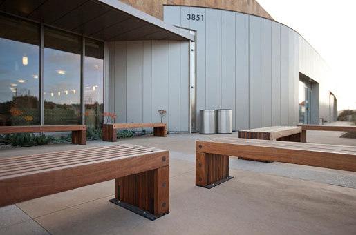 Hudson Bench de Forms+Surfaces®