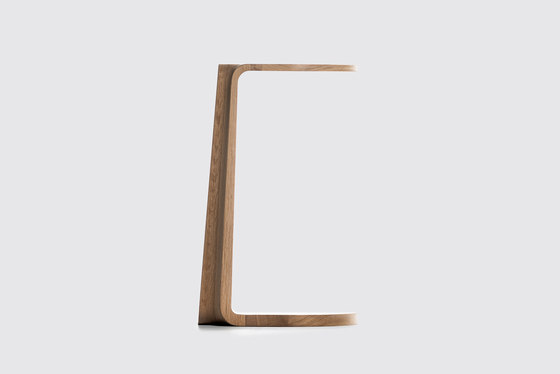 Primum Oval side table by MS&WOOD