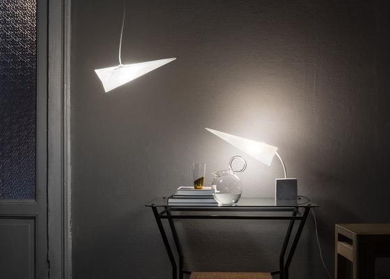P-jet | table lamp de Skitsch by Hub Design