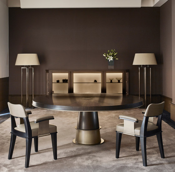 Tornasole dining table de Promemoria