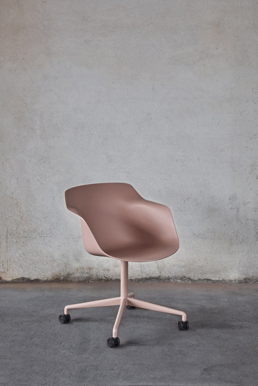 Pax easy chair by Materia
