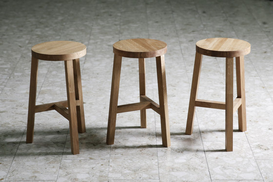 Lonna bar stool | Oak von Made by Choice