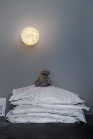 A.Moon Out de IN-ES.ARTDESIGN