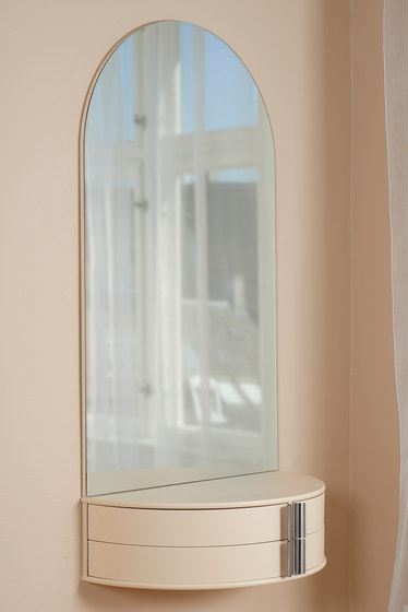 Joy Toilet/ Hall Table by Getama Danmark